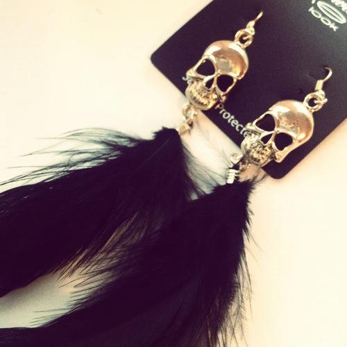 New Look skull earrings