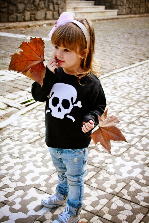 Skull girly sweater