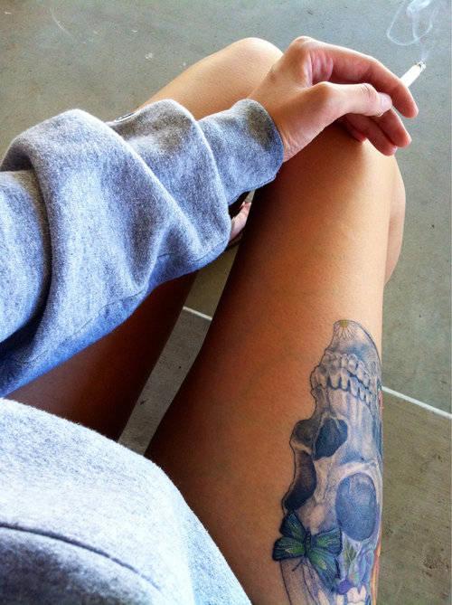 Leg skull tattoo