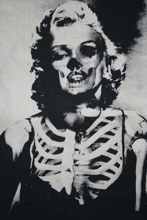 Marilyn Monroe half skeleton