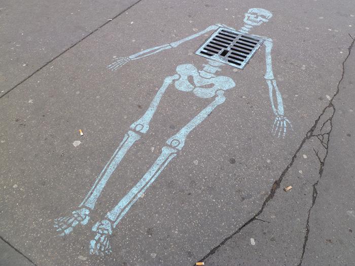 Skeleton street art 2