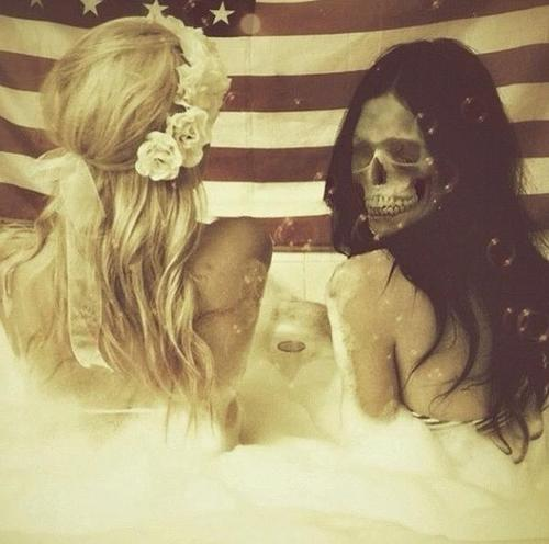 Skull girls in bath