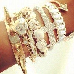 skull pearl bracelets