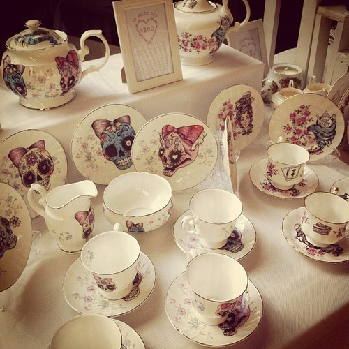 Tea service skull porcelain
