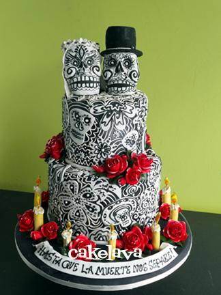 dia de los muertos cake with skulls