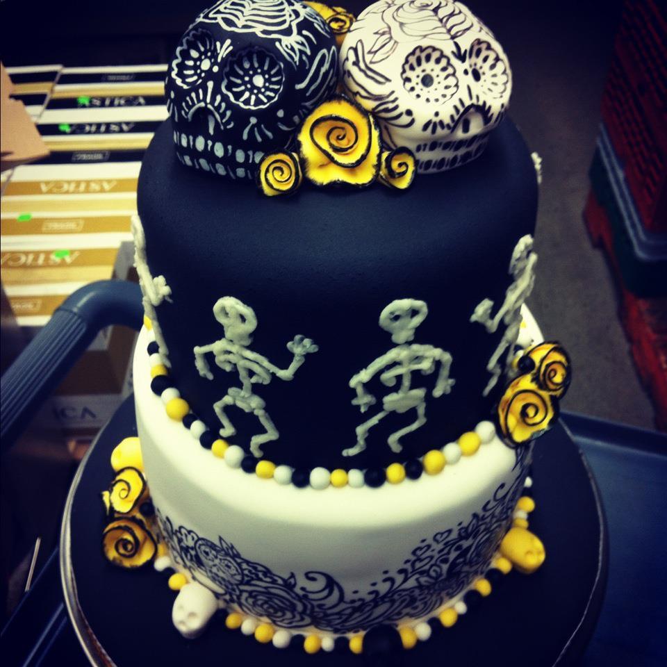 skull grooms cake