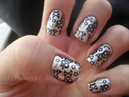 skull nail designs 15