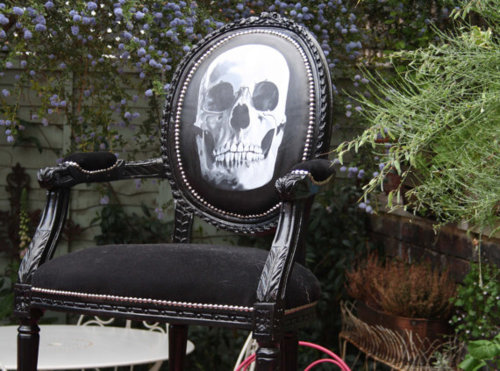 black skull chair 1