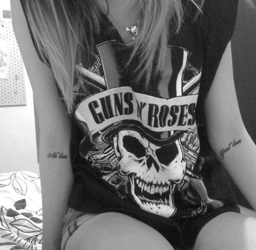 guns and roses t shirt
