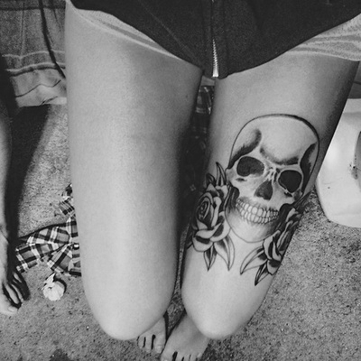Skull And Roses Tattoo On Thigh