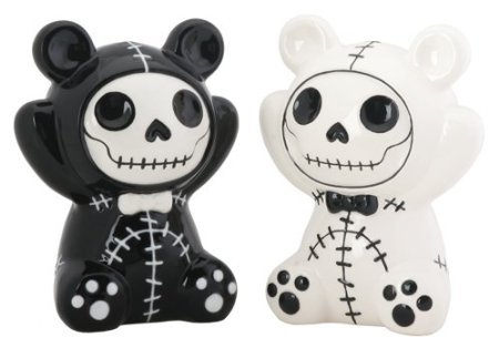 Skull salt and pepper shakers 2