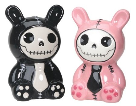 Skull salt and pepper shakers 3