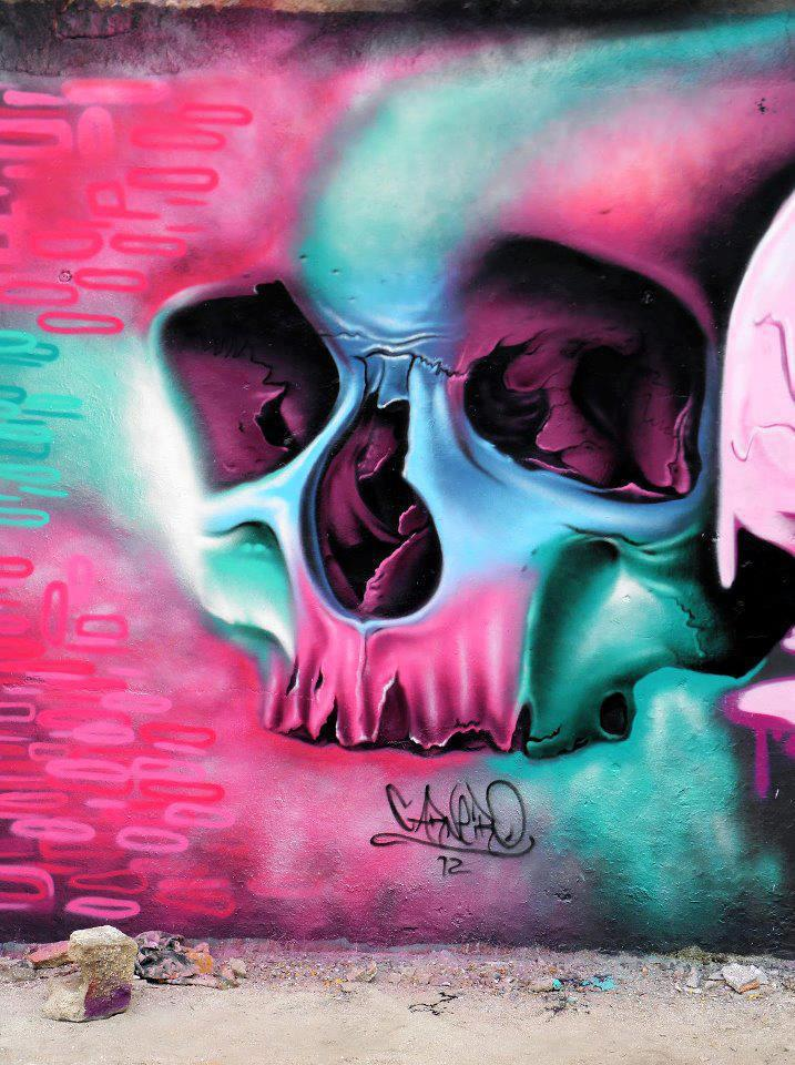 Skull graffiti by Fábio Carneiro 1
