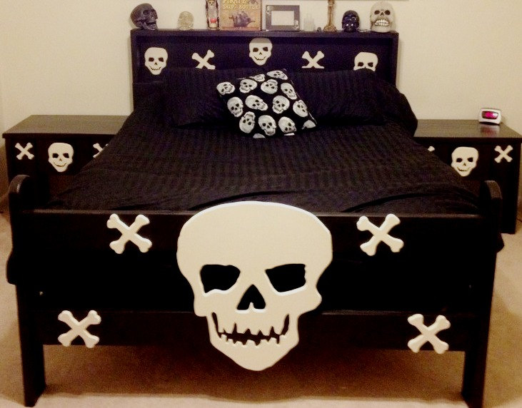 Skull furniture 1
