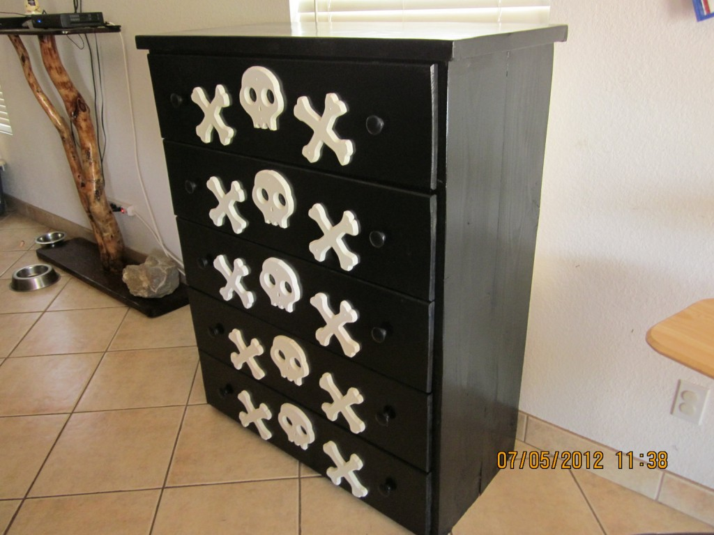 Skull furniture 2