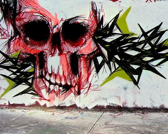 Skull graffiti by Monsieur Plume 3