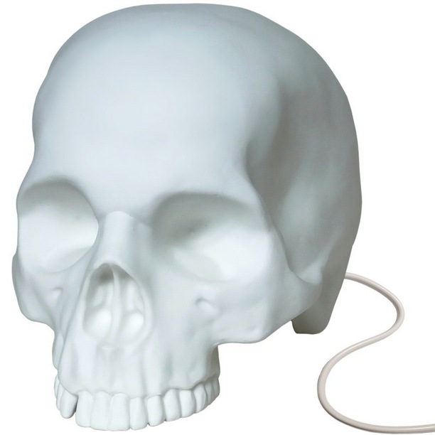Goliath Table Skull Lamp2