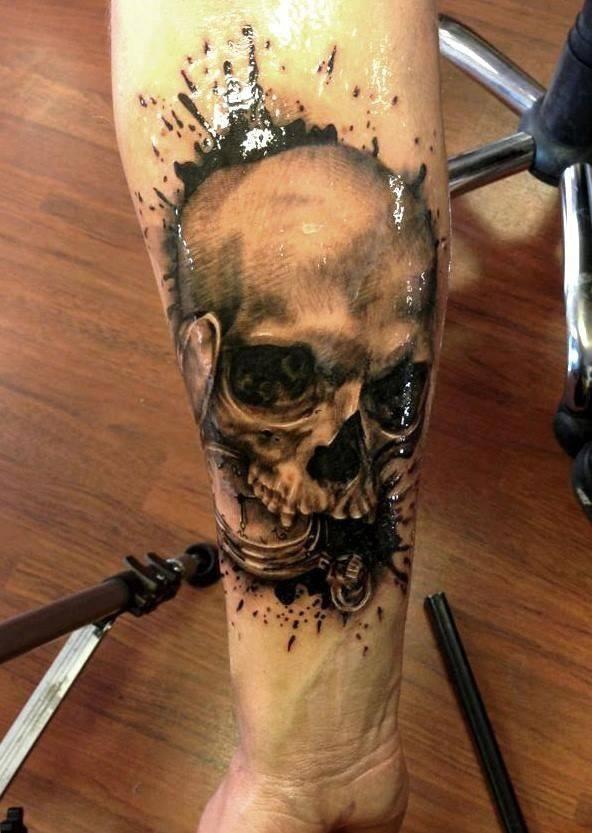 Skull tattoos by Line Mariëlle