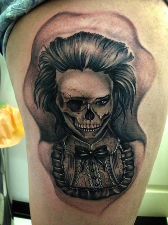 Skull tattoo by Nipper Williams