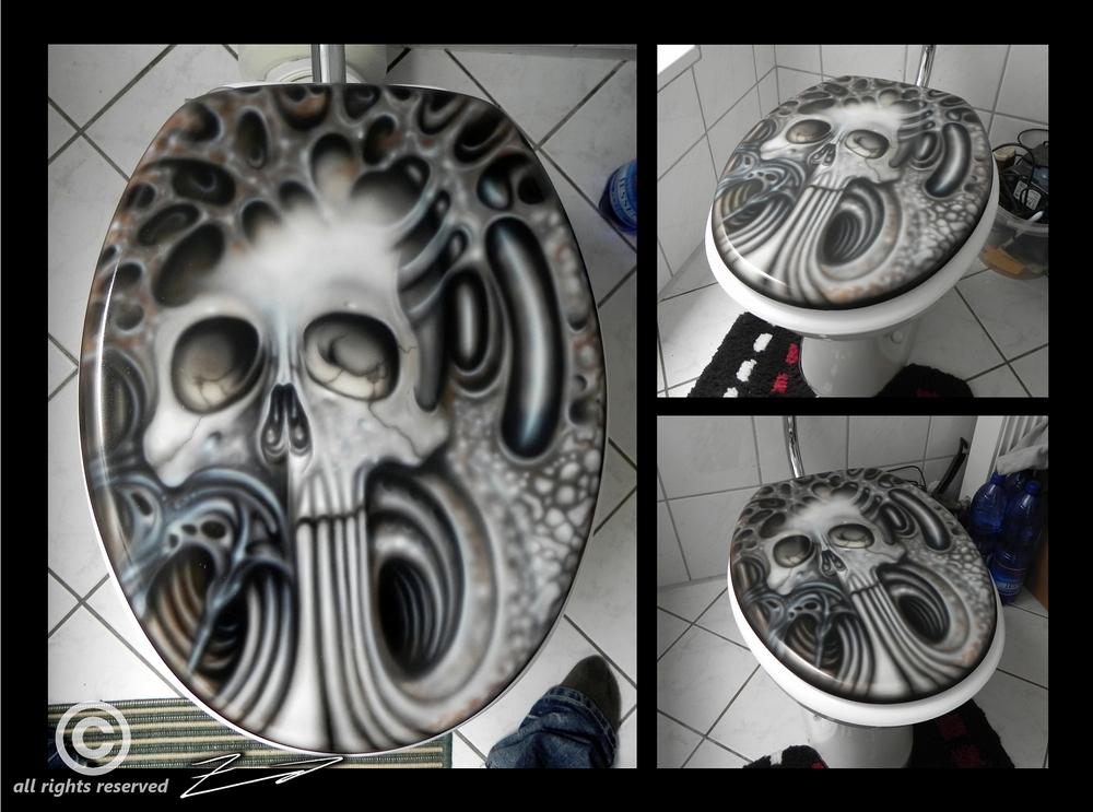 Skull wood toilet seat