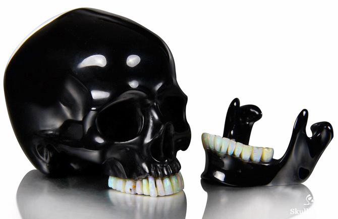 Black Obsidian Skull 1