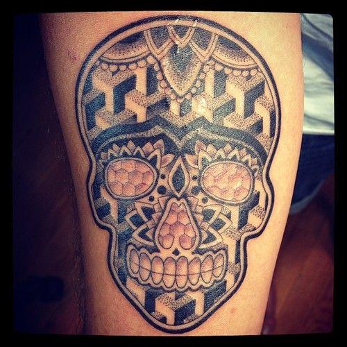 Skull tattoo by Annie Lloyd