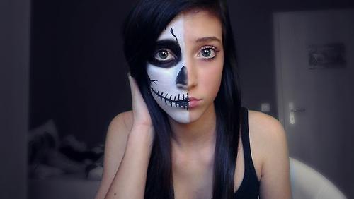 sexy skull girl