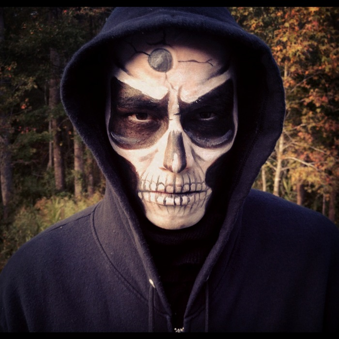 skull makeup for man 1 - Easy Scary Halloween Face Painting Ideas