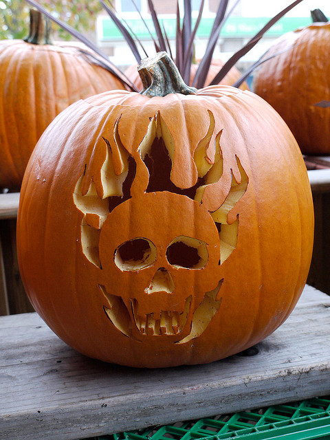 skull pumpkin design