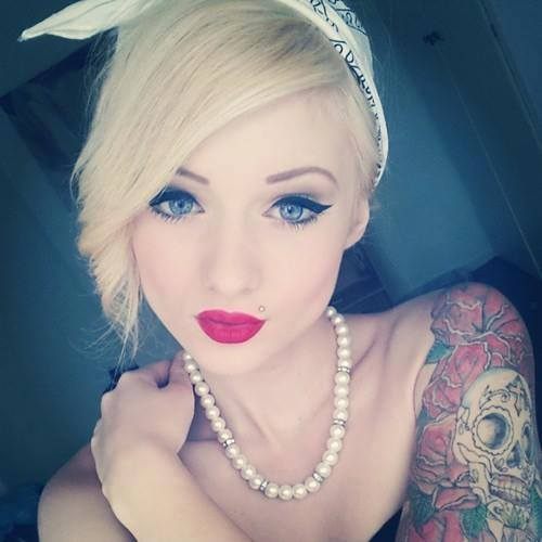 Girl with skull tattoo2