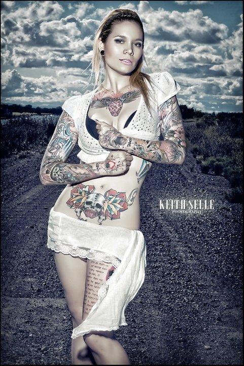 tattooed girl (2)