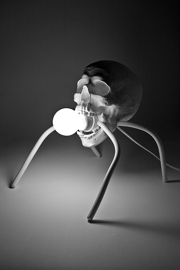 Bubbleskull Lamp