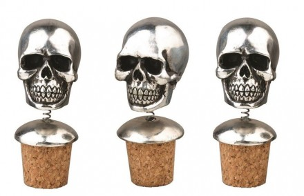 Skull Bottle Stoppers Set