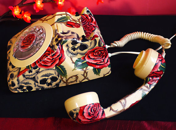 Unique Skulls and Roses Phone