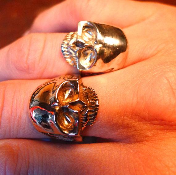 Custom made skull jewelry by Yukee Chen