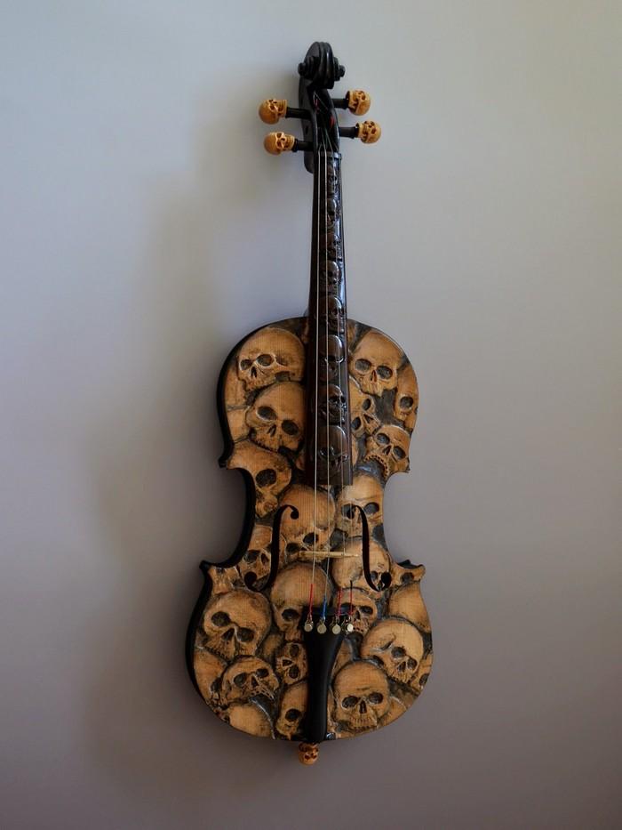 Skull Violin by Mark Noll