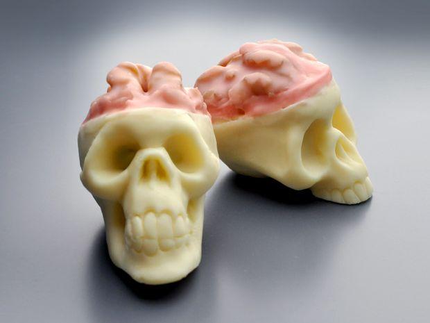 Halloween Skull Truffles (2)