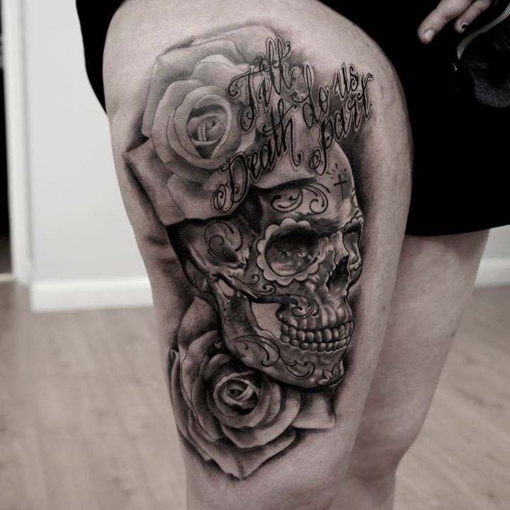 tigh skull tattoo