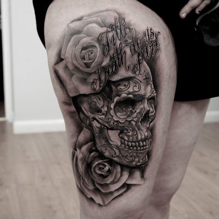 tigh skull tattoo
