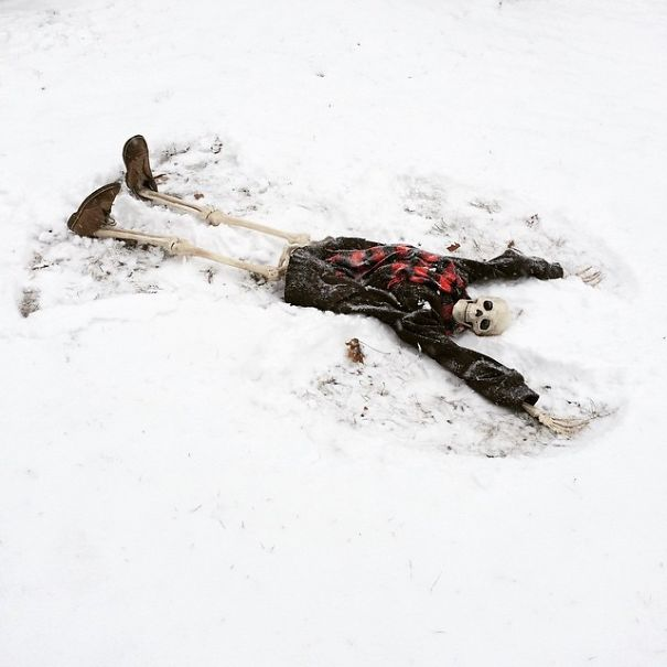 skellie snow angel