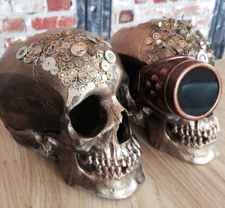 watch parts skulls