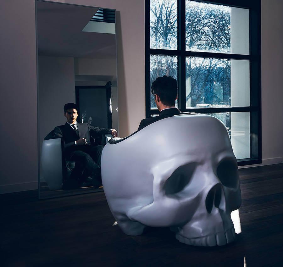 Giant Skull Armchair (2)