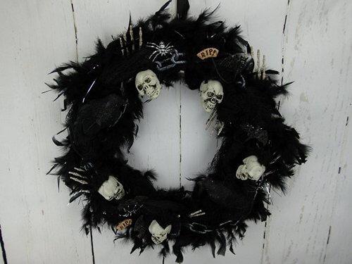 skull-and-bones-wreath