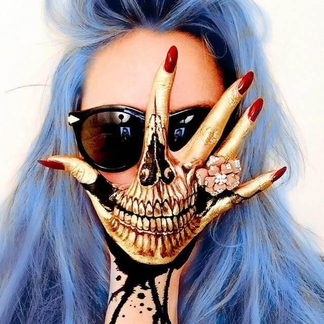 Golden Hand Skull